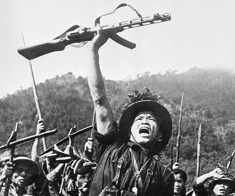 30 de abril de 1975: Derrota yanqui en Vietnam - Al Frente - CR